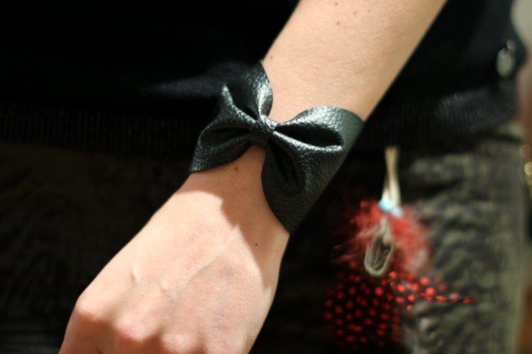 bracelet_with_red