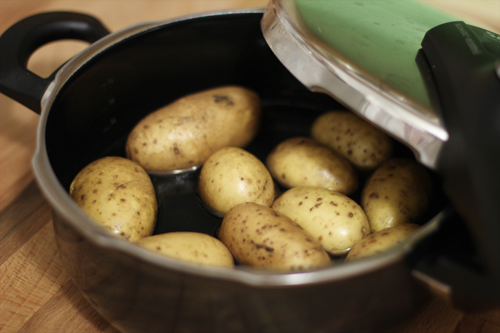 Potato_Pressure_Cooker