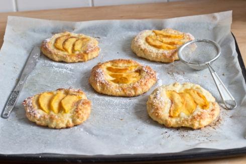 peach_tartlets_baked