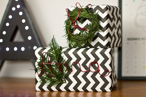 Christmas-present-wrapping-black-whitechevron