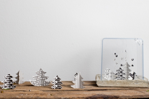Paper-christmas-tree-on-display-handmade