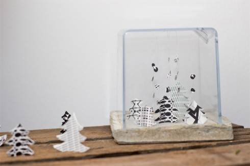 Paper-christmas-tree-terrarium-decoration