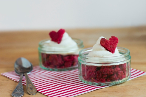 Red-Velvet-love-themed-dessert