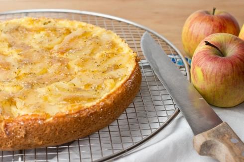 Rosemary-apple-olive-oil-cake