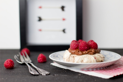 chocolate-meringue-raspberry-dessert-recipe