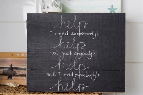 first-aid-medicine-cabinet-DIY