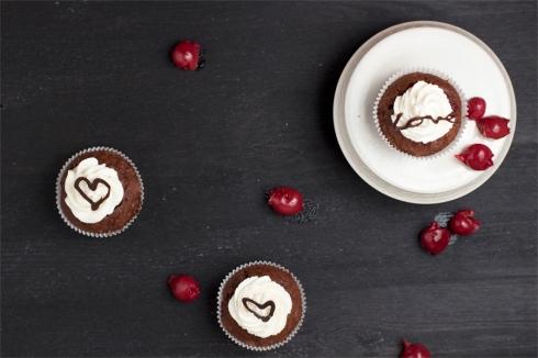 chocolate-cherry-cupcake-black